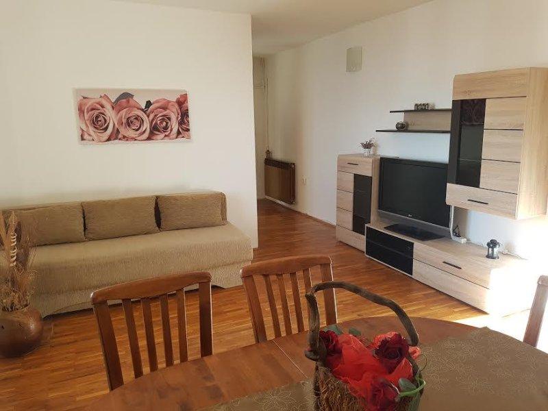 Nevidane Apartment Sleeps 4 with Air Con - 5470961, holiday rental in Nevidane