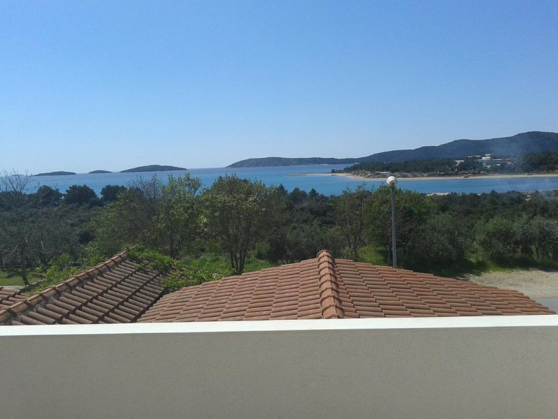 Zablace Apartment Sleeps 2 with Air Con - 5471130, holiday rental in Zablace