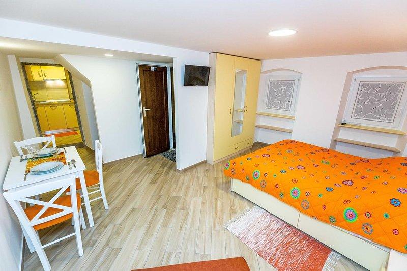 Studio flat Lovran, Opatija (AS-12379-a), vacation rental in Lovran