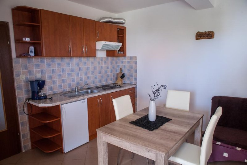 Küche, Oberfläche: 4 m²