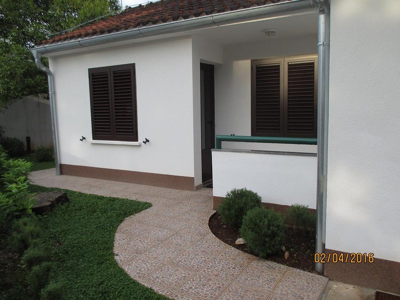 Studio flat Nečujam, Šolta (AS-12500-a), vacation rental in Necujam