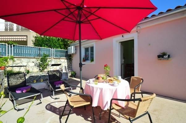 Brodarica Apartment Sleeps 2 - 5471368, holiday rental in Krapanj
