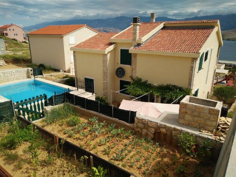 Stari Okic Apartment Sleeps 2 with Pool and Air Con - 5471479, location de vacances à Bosana