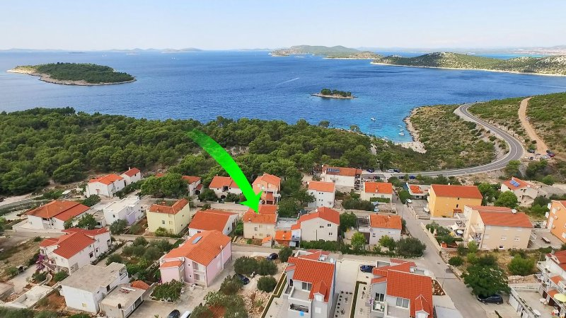 Two bedroom apartment Bilo, Primošten (A-12868-b), vacation rental in Grebastica