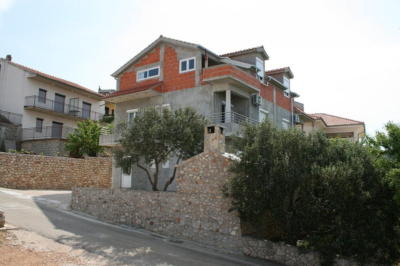 Two bedroom apartment Bilo, Primošten (A-12870-a), vacation rental in Grebastica