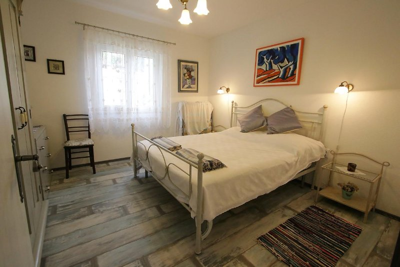 Vinjerac Apartment Sleeps 4 with Air Con - 5472126, holiday rental in Vinjerac