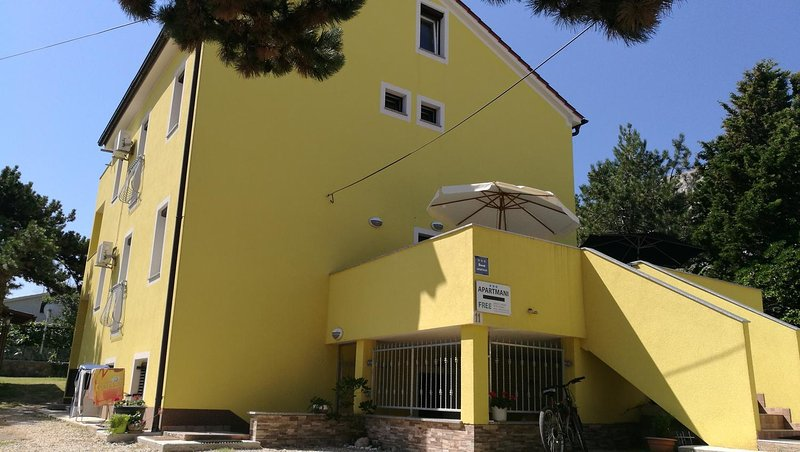 Two bedroom apartment Baška, Krk (A-13907-a), casa vacanza a Stara Baska