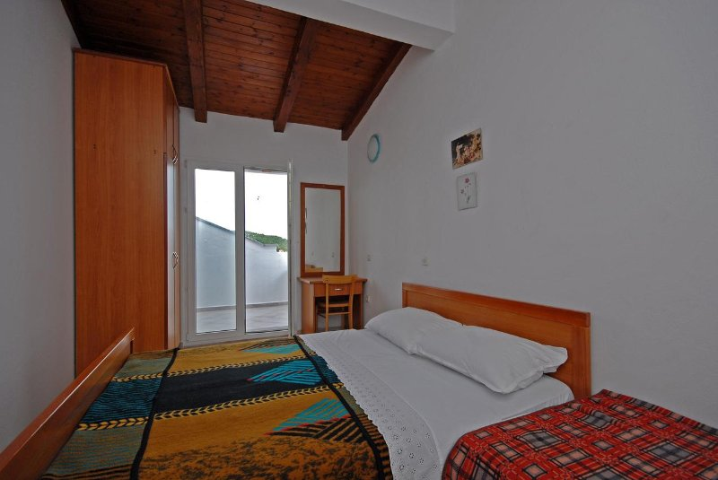 Schlafzimmer 1, Oberfläche: 12 m²