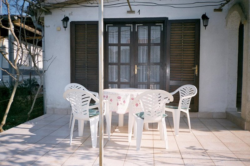 Kavran Apartment Sleeps 3 - 5472342, holiday rental in Pavicini