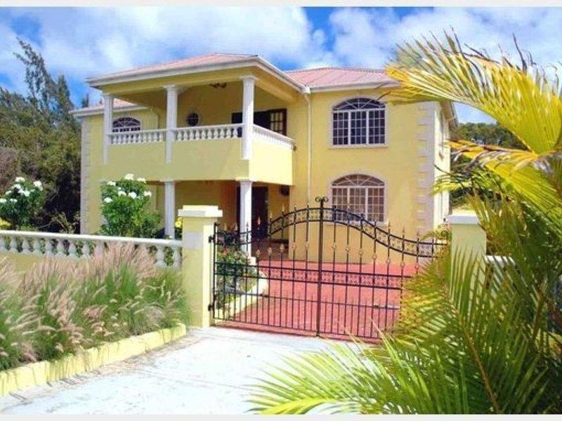 """Emerald Manor"" Island Home In Barbados, holiday rental in Saint Lucy Parish"