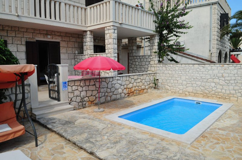 Marija - with pool : A1(7) - Supetar, vacation rental in Supetar