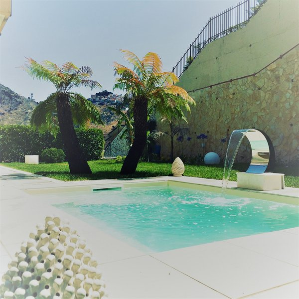 Taormina pool luxury apartment with private mini pool, holiday rental in Taormina