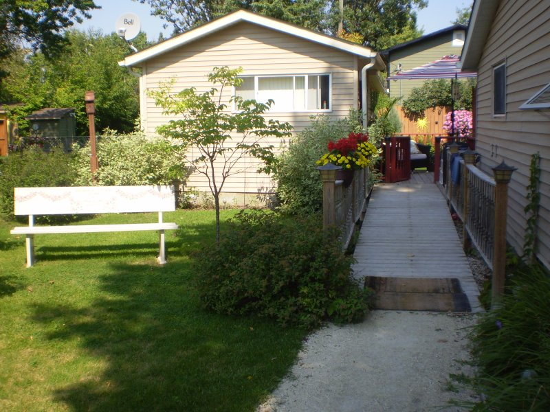 Private side entrance with ramp