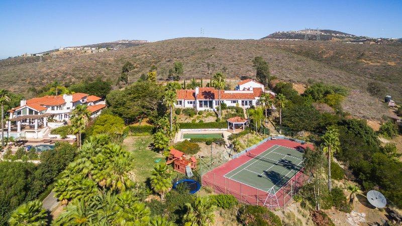 ^ Bedroom Tennis Ranch Aerial View