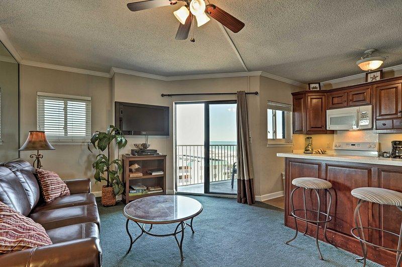 Book this 2-bedroom, 2-bath vacation rental condo in Gulf Shores!