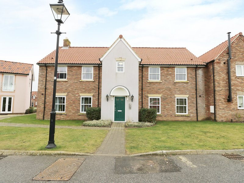 ROSIE'S RETREAT, open-plan, perfect for couples, Ref 973772, vacation rental in Filey