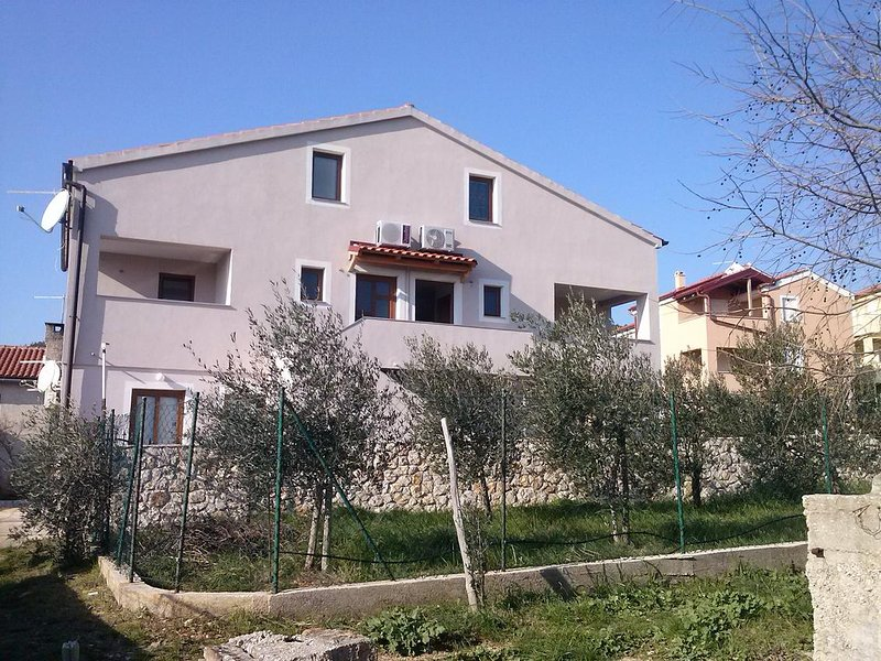Martinscica Apartment Sleeps 4 with Air Con - 5491544, vacation rental in Martinscica