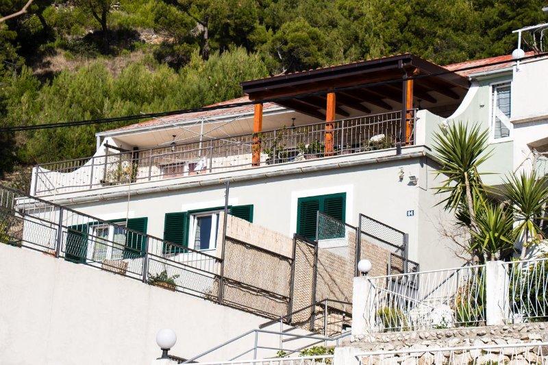 Jesenice Apartment Sleeps 6 with Air Con - 5504237, vakantiewoning in Jesenice