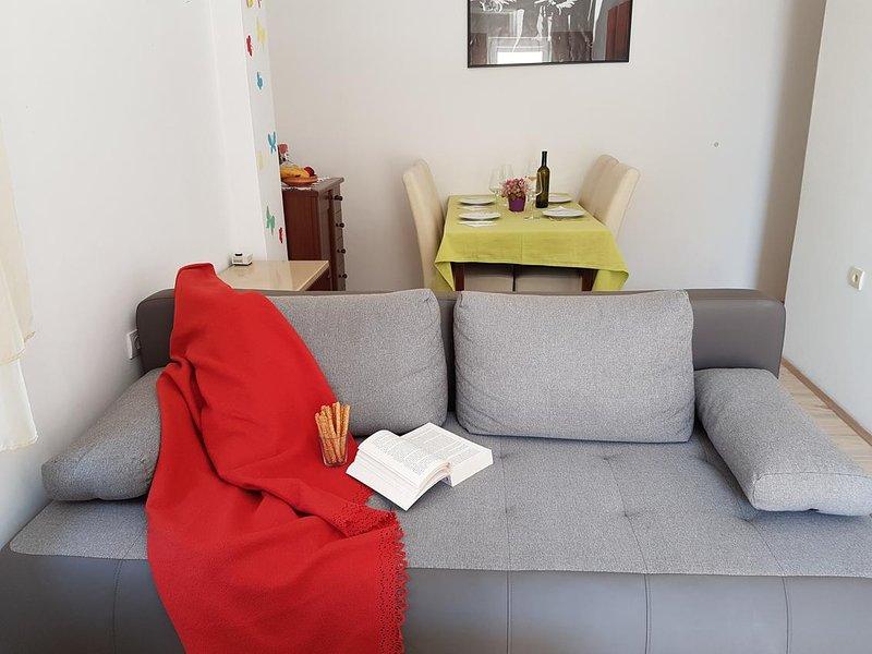 Wohnzimmer, Oberfläche: 12 m²