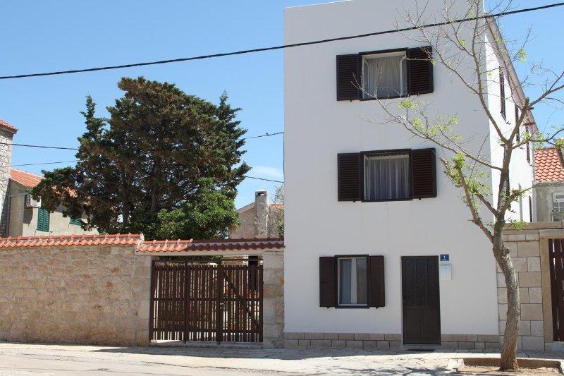 Two bedroom apartment Vinjerac, Zadar (A-14640-a), holiday rental in Vinjerac