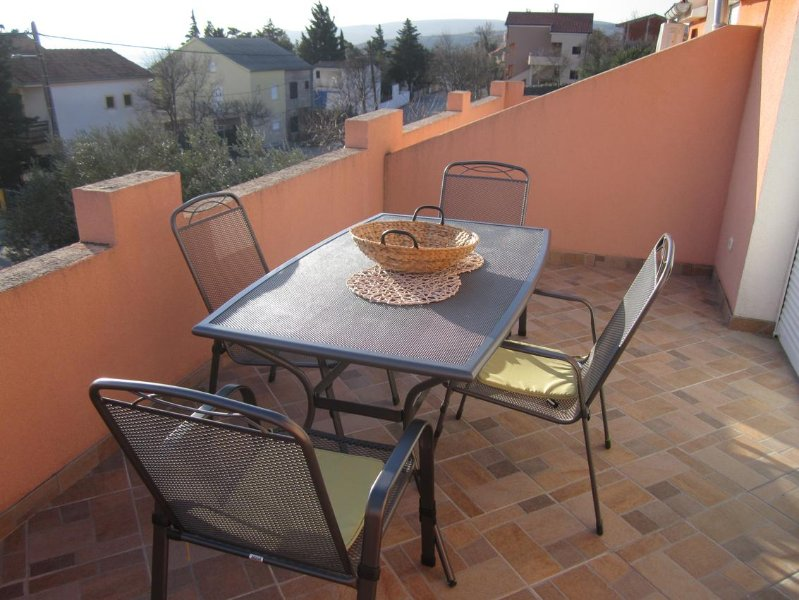 Saric Apartment Sleeps 6 with Air Con - 5575433, vacation rental in Jasenice