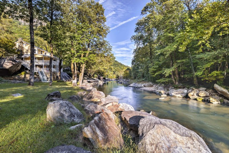 Grab your family and stay at this vacation rental cabin in Chimney Rock.