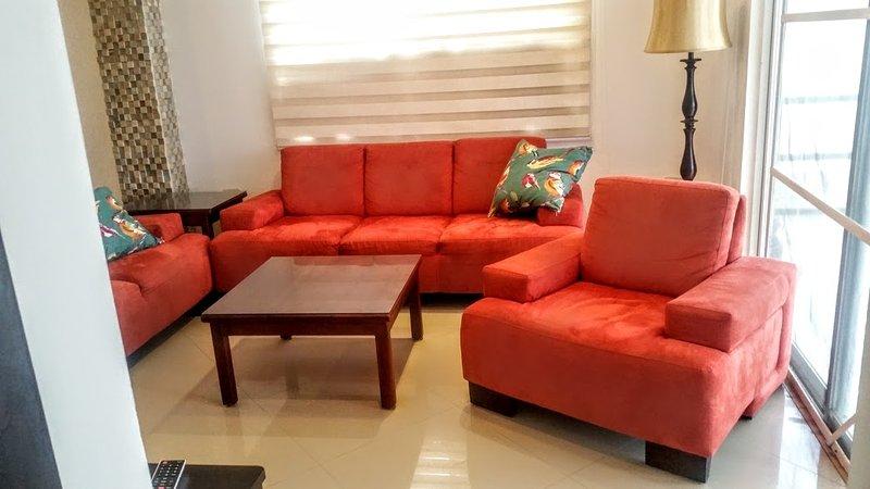 Perfettamente arredate soggiorno con mobili comodi.