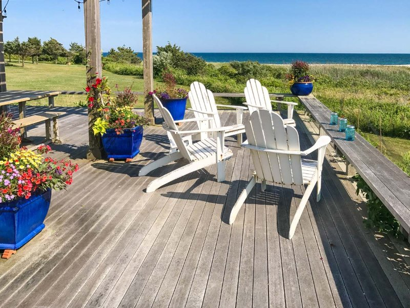 Magnifient Ocean Views from the Front Deck