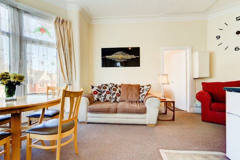 Beachcliffe Apartment 1, vacation rental in Blackpool