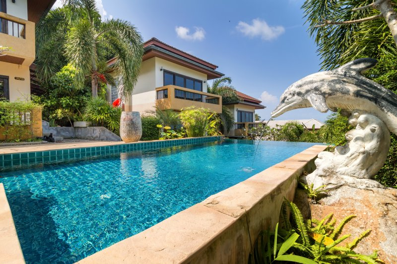 Seaview Villa 3 Bedroom with Pool A, holiday rental in Surat Thani