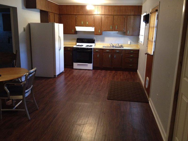 Cozy One Bedroom Apartment, vacation rental in Joliet