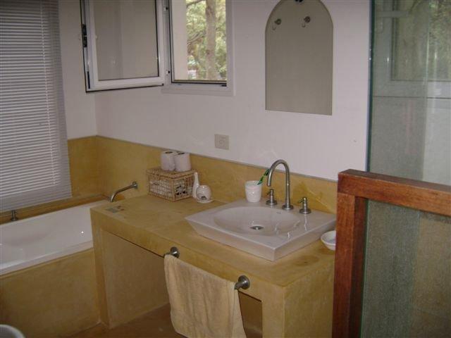 Bathroom first floor