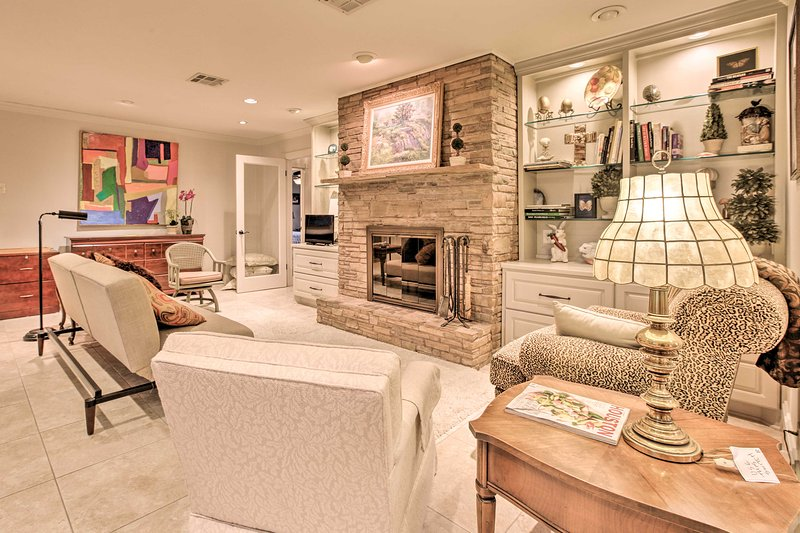 Enjoy an elegant and comfortable living space after each Houston adventure at this lovely vacation rental house.