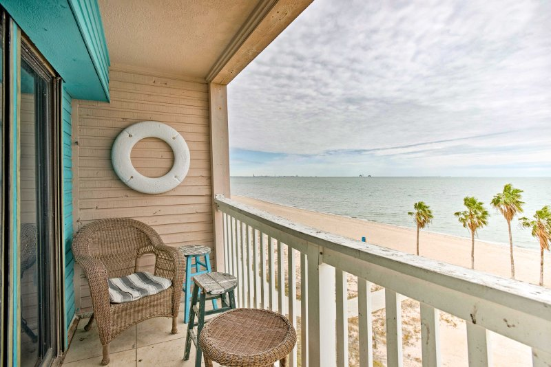 Soak up the ocean breeze while staying at this 1-bedroom, 1-bathroom Corpus Christi vacation rental condo!