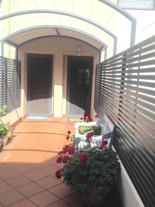Pine View Apartment - Fremantle CBD Has Internet Access ...
