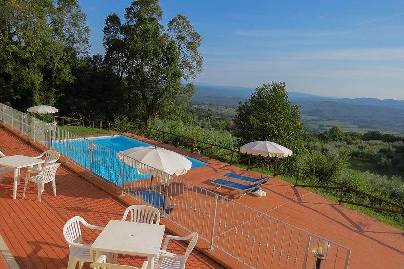 Monteverdi lodging stunning views, nr 3, swimming pool, village walking distance, holiday rental in Lustignano