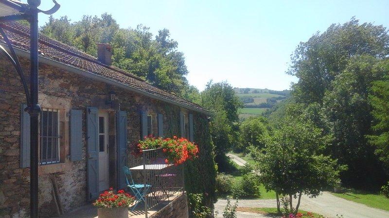 Gite 2 pers axe Albi-Millau bord de rivière et proche vallée du Tarn, location de vacances à Saint-Sever-du-Moustier