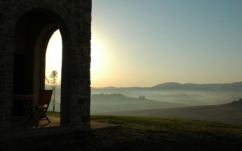 Ferranesi, Tuscan Design Villa with private pool, perfect for small weddings, casa vacanza a Asciano