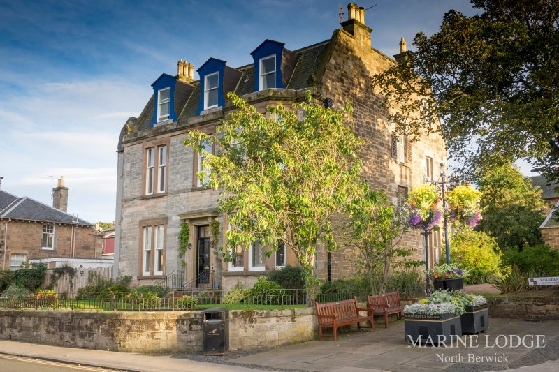 'Fraser's', Marine Lodge Large Ground, 2 Bed Apartment - With dates in May, holiday rental in North Berwick