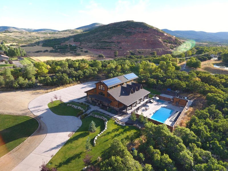 Silver Springs Lodge in the Heber Valley, holiday rental in Woodland