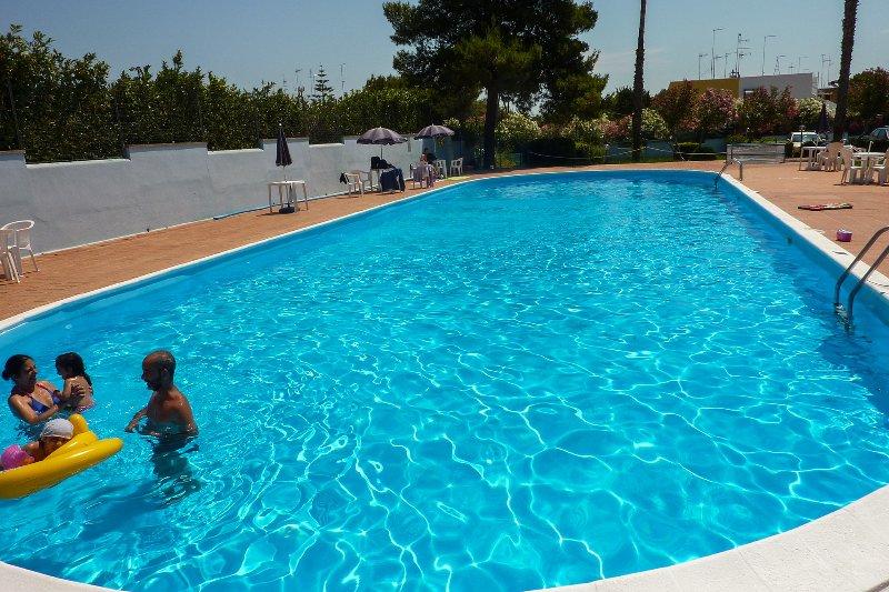 Bell'appartamento in residence con piscina m112, location de vacances à Melendugno
