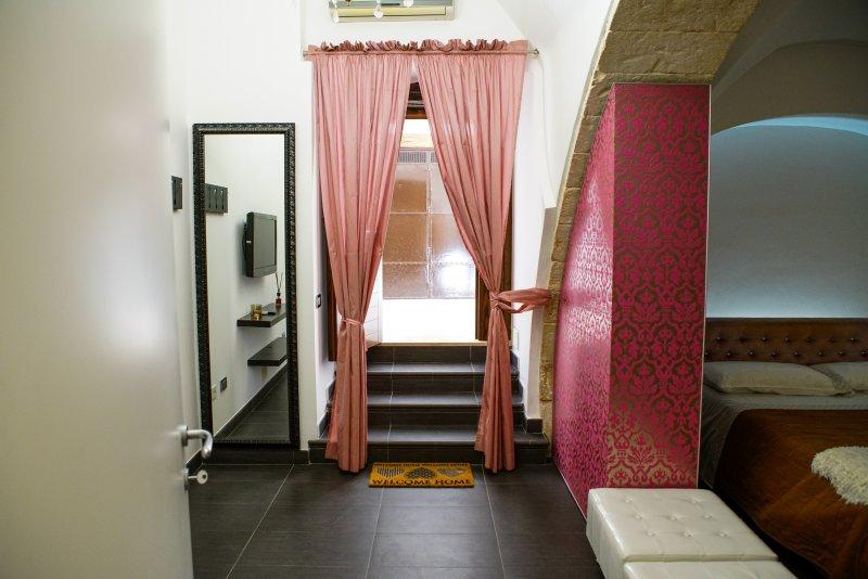 HOME 5 - ARCO MICHELE, holiday rental in Putignano