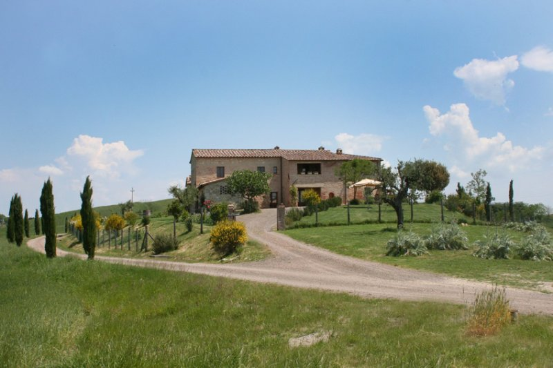 Casa di Maria appartamento in Toscana vicino a Siena e Montalcino, holiday rental in San Giovanni d'Asso