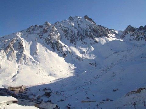 Inverno montagna vista dal terrazzo
