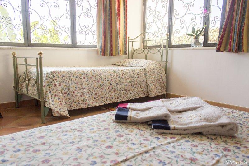 B&B Villa Gagliardetta - Camera Familiare, holiday rental in Vita