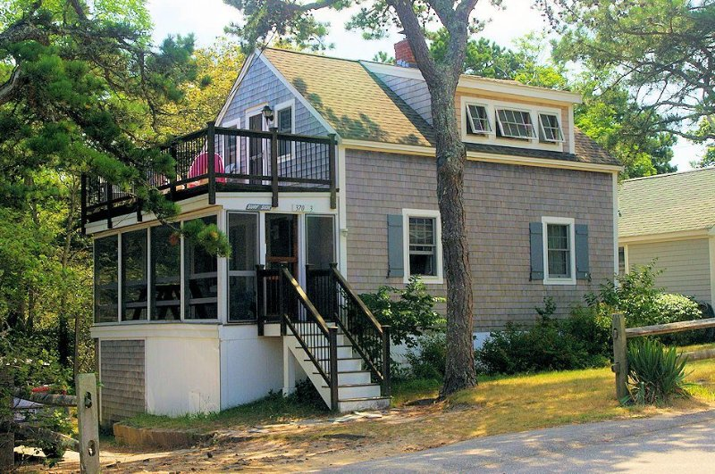 Surf Side cottage #3 at Surf Side Cottages.  Walk to ocean beach, location de vacances à Wellfleet