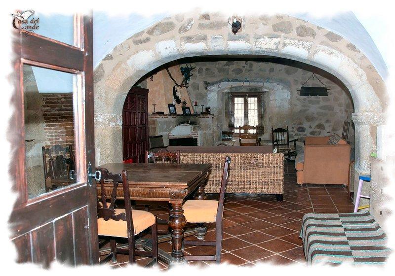 Desde 8 a 12 personas - Casa Rural, vacation rental in Extremadura