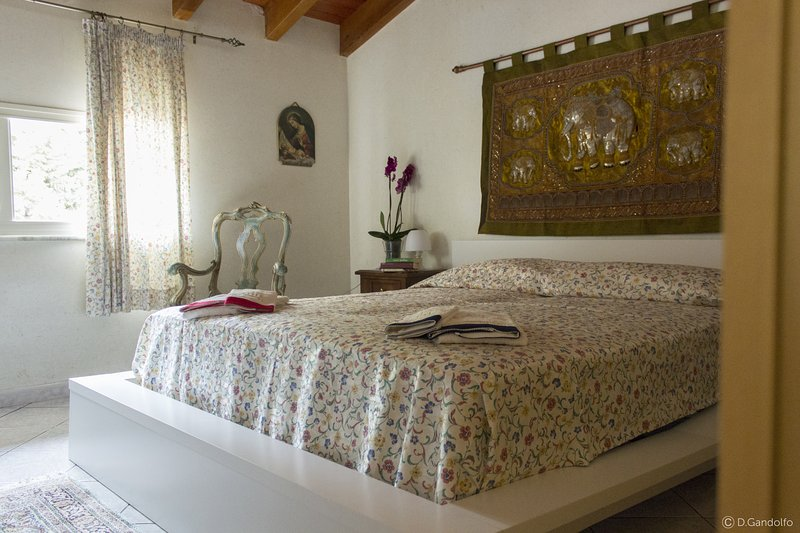 B&B Villa Gagliardetta - Camera Tiffany, holiday rental in Vita