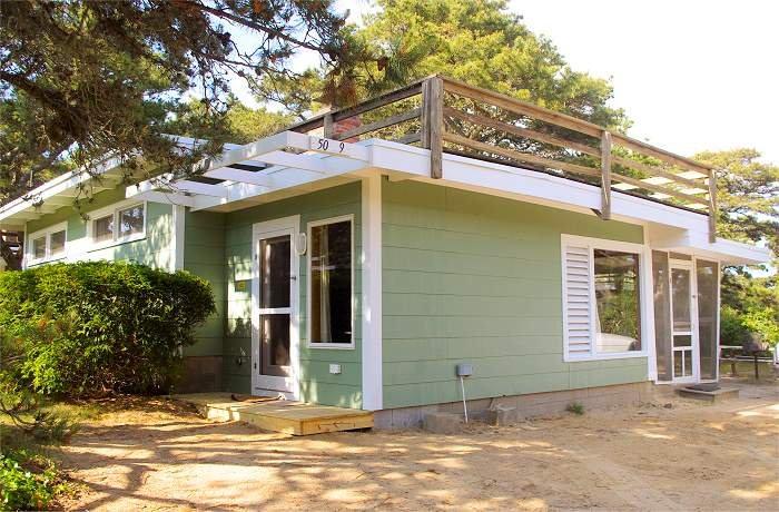 Ocean View Cottage at Surf Side - Roof-top Deck.  Walk to ocean beach, vacation rental in Wellfleet