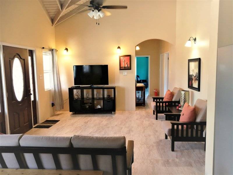 M&H Serenity Antigua- 3 bedroom unit, holiday rental in All Saints